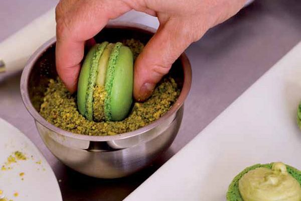 Pistachio Buttercream Frosting Recipe for macaron filling | Bakepedia
