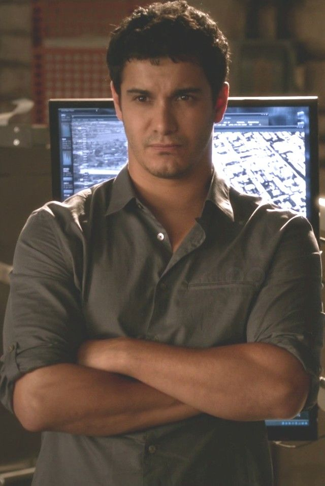 Elyes Gabel as Walter O'Brien wearing  John Varvatos Adjustable Slim Fit Shirt