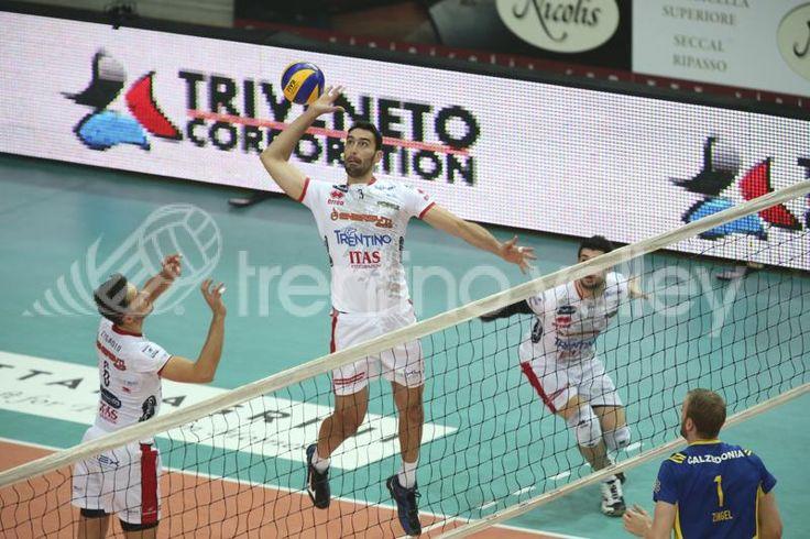 Emanuele Birarelli attacca per la Trentino Volley.