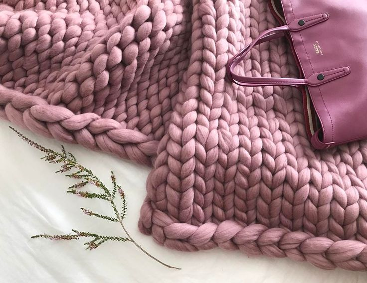 "Samantha | Mother ➕ Maker on Instagram: ""A touch of #luxe 💕 . . Shop listing up soon ➿ . . #extremeknitting #chunkyknit #knitting #knittersofinstagram #merino #interiorstyling…"""