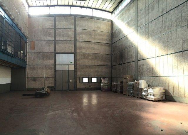 Halle de grande hauteur de 520 m2 14901128