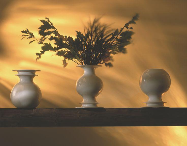 Produzione Privata Vasi Bianchi, ceramic, 1990 Ph. Tom Vack