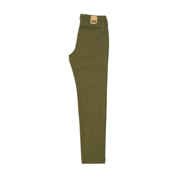 Sateen Dark Olive Green Chino (2,210 MXN) ❤ liked on Polyvore featuring men's fashion, men's clothing, men's pants, men's casual pants, mens olive green pants, mens olive pants, mens chino pants, mens dark green pants and mens chinos pants