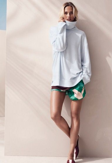 Spring outfit with large blouse and green shorts, lovely :)