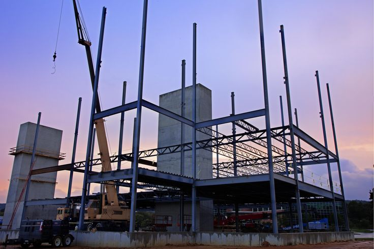 Merritt's capabilities also include new construction.   With certified experts in steel structure, welding, concrete, carpentry and masonry, the MCS team has successfully completed a wide breadth of projects, ranging from Class A offices to industrial warehouses. Our construction team is among the best in the business.