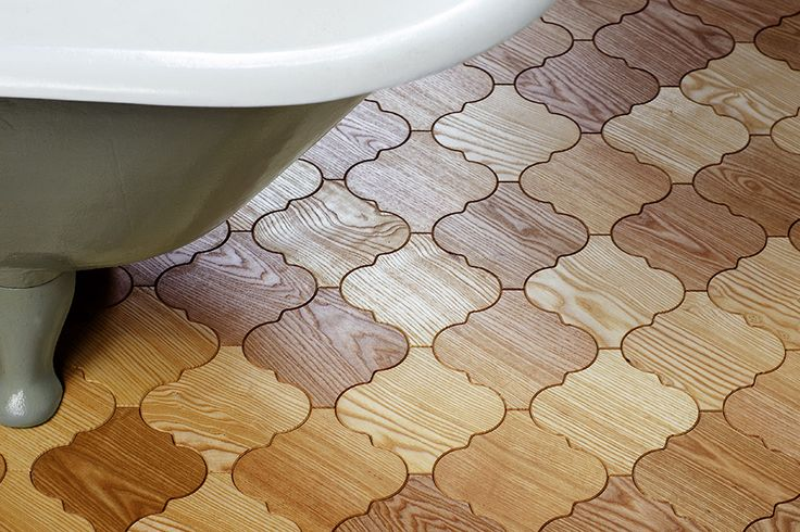 Who said wooden parquet isn't proper for the bathroom floor? Tiles made of ash wood looks just perfect!