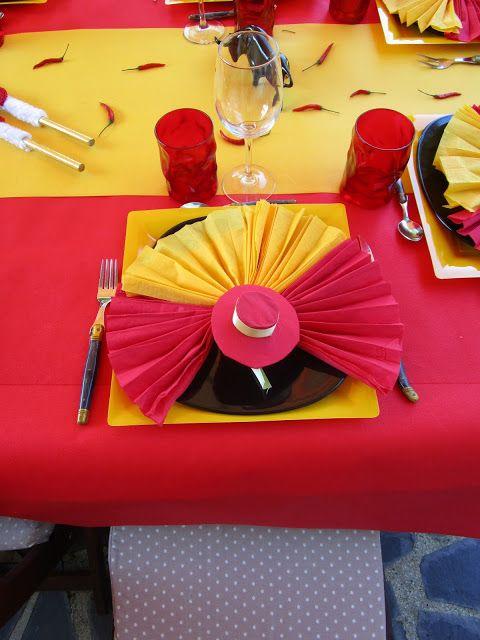Espagne, espagnol, rouge et jaune, banderillas, sombrero, castagnettes, taureau noir, éventail ...