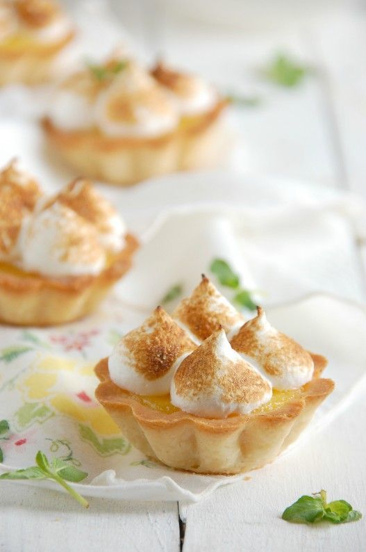 Lemon Meringue Shortbread Tartlets | thekitchenmccabe.com