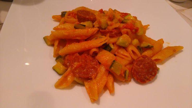Découvrez les recettes Cooking Chef et partagez vos astuces et idées avec le Club pour profiter de vos avantages. http://www.cooking-chef.fr/espace-recettes/plats-complets/one-pot-pasta-courgettes-chorizo