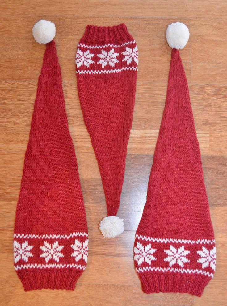 Alla ungene har fått seg hver sin Oops det er jul nisselue . Jeg skulle egentlig bare strikke til guttene, men den første ble for liten, så ...