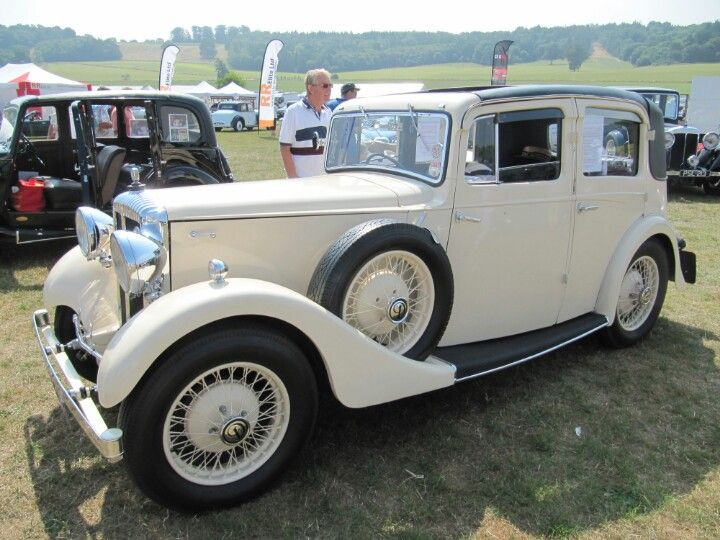 Daimler 15hp, 1934 at Sherborne Castle classic car show