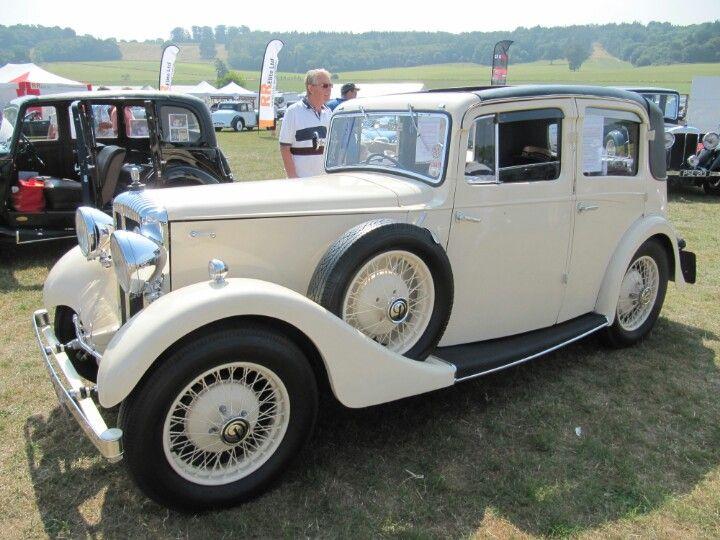 Daimler 15hp, 1934 at Sherborne Castle classic car show