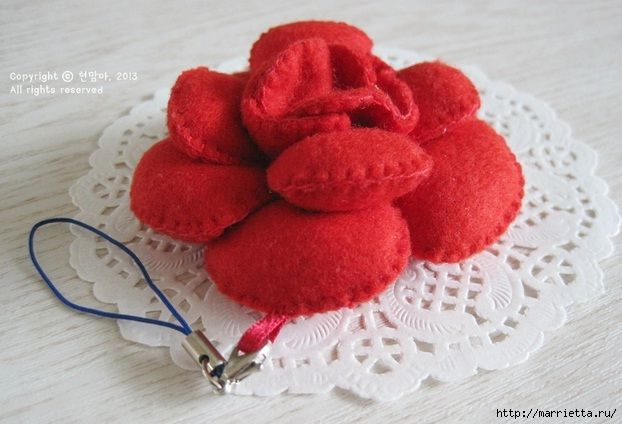 colgantes de flores de tela (2) (622x424, 144Kb): Sew Decorations, The Tela, How To Make, Pendants, Manualidades Inteligentes, Hacer Ganchos, Flowers, Flower