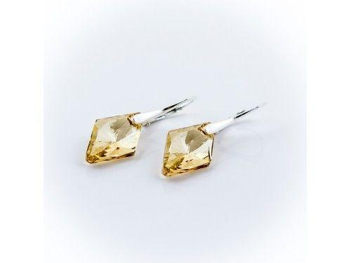 KOLCZYKI SWAROVSKI RHOMBUS 19MM GOLDEN SHADOW SREBRO 925 - KL2181 Materiał: Srebro 925 + kryształ Swarovski Elements Kolor: Golden Shadowl  Rozmiar kamienia: 1,9cm Wysokość kolczyka: 3,5cm Waga srebra: 1,33g ( 1 para ) Waga kolczyków z kamieniami: 3,97g