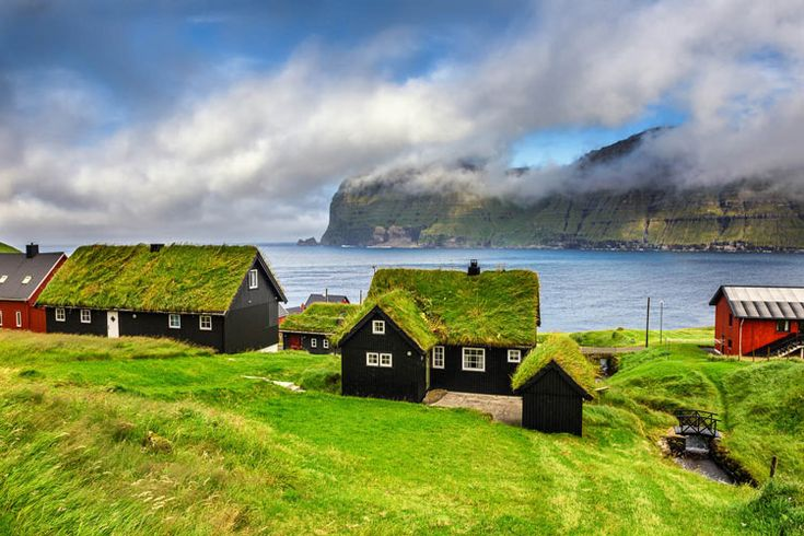 Luoghi Più Estremi E Lontani Del Pianeta Terra > Nella foto: Villaggio Mikladalur, Isole Faroe >>> https://www.piuvivi.com/viaggi-vacanze/mondo/posti-luoghi-destinazioni-remoti-estremi-pianeta-terra-mondo/ <<<