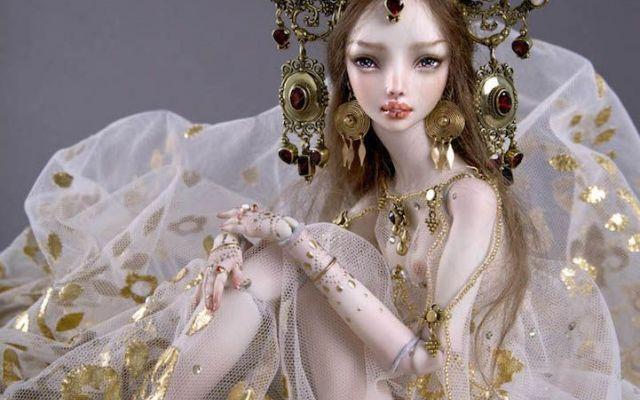 LE INCREDIBILI BAMBOLE INTERAMENTE FATTE A MANO DI MARINA BYCHKOVA Le bambole della designer russo-canadese Marina Bychkova, in porcellana o poliuretano, sono interamente fatte a mano. Non solo corpi, volti e capelli ma, la Bychkova, completa scrupolosamente anche a #bambole #scultura #artigianato