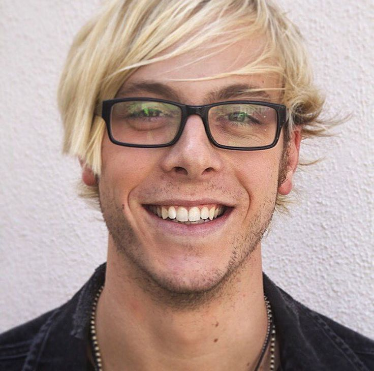 "Riker Lynch...""I literally have no memory of having this photo taken... Confused face emoji."""