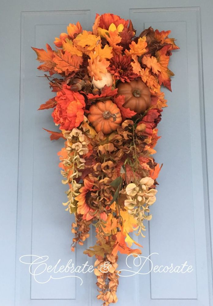 Best 25+ Fall swags ideas on Pinterest | Swags for doors ...