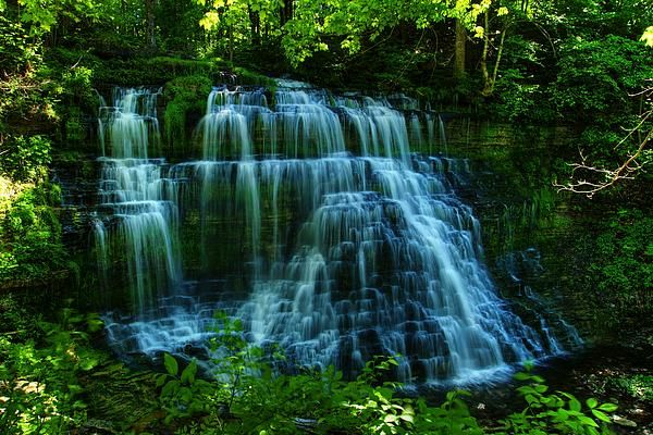 Beautiful Waterfall!! i love this Photo
