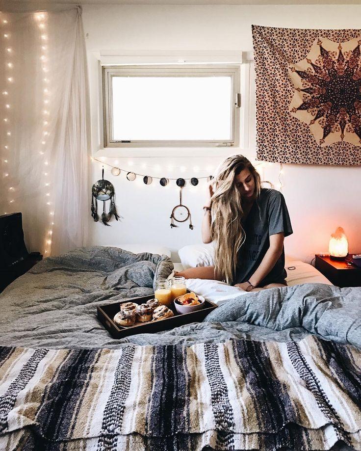 Boho bohemian bedroom lights bed dreamcatcher tapestry blanket window breakfast lazy morning apartment interior design decor decoration