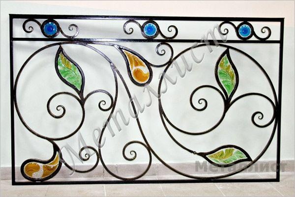 Кованые перила с использованием художественного стекла
