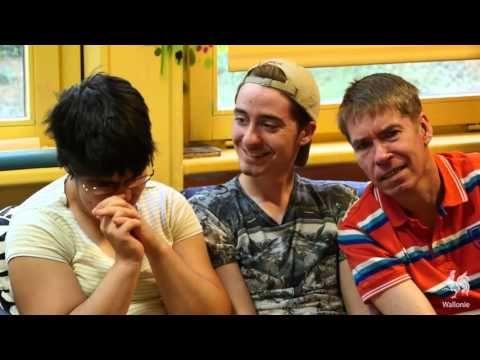 Assistance aux personnes handicapées - YouTube