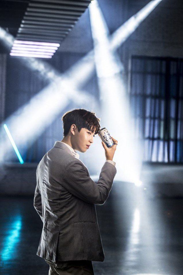 'Hite' beer releases a load of handsome behind-the-scenes cuts from new CF filming with Wanna One | allkpop.com