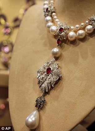 The La Peregrina Necklace