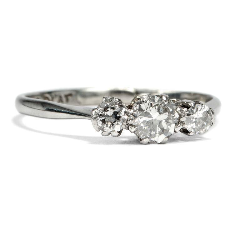 Mit Dir an meiner Seite - Antiker Ring mit drei Diamanten in Gold & Platin, Großbritannien um 1920 von Hofer Antikschmuck aus Berlin // #hoferantikschmuck #antik #schmuck #Ringe #antique #jewellery #jewelry // www.hofer-antikschmuck.de