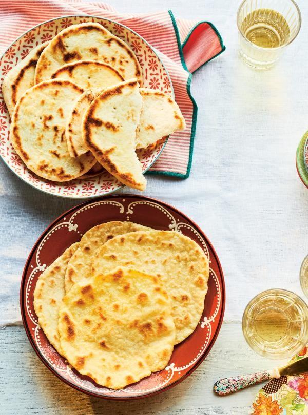 Plus près d'un pain plat que d'un pita de style grec (plus épais), quoique souple, il est aussi satisfaisant que son pendant à la farine de blé.