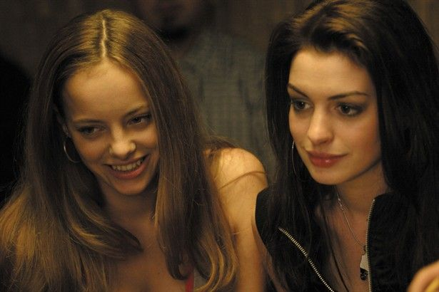 Bijou Phillips As Emily And Anne Hathaway As Allison In -4519