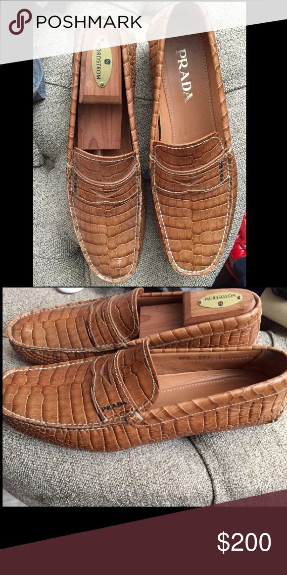 Prada Croc Embossed Driving shoe Men's Prada Driving shoe, US8, Great condition with one barely noticeable scuff on left toe-without box/dust bags. Husband doesn't wear them anymore so it's time for them to have a new home! Beautiful embossed croc Driving shoe (they're leather, not actual croc 🐊❤️) that look amazing! Thanks so much for looking and he's happy to model them if requested! Thanks for looking! Prada Shoes Loafers & Slip-Ons