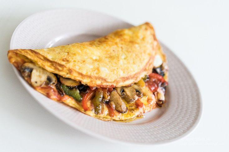 Ostpanerad färskostfylld Fajita Omelett