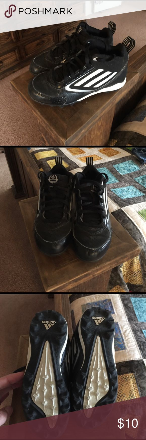 Boys football cleats Adidas boys football cleats. In great condition only used to play flag football for 2 years. Kiddo just out grew them. The cleats still look really good. Could also be used as baseball cleats. Lots of miles left on these. Adidas Shoes Sneakers