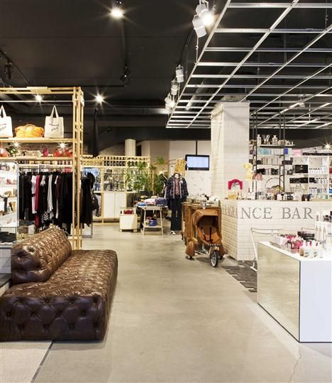 YOUR Antwerp,best store in town...Clothes,goodies,gadgets,books...