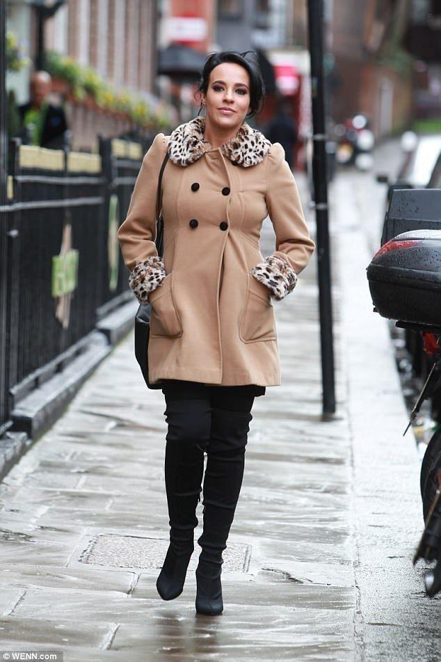 Stephanie Davis..... - Celebrity Fashion Trends