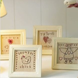Free Shipping! 4pcs/lot Eco-friendly Wooden Picture Frame Linen Cloth with Hand-made Embroidery Gift Home Decoration P1006