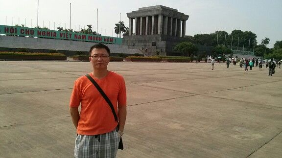 Trip to Indonesia:  On the way back home, I have visited Hanoi to see my ex-boss! @ Hocimin's memorial