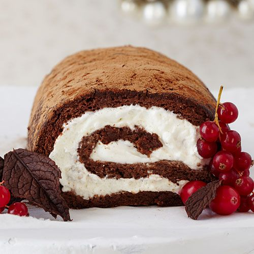 How To Make Chocolate Roulade | Watch this how-to video to see how easy it is to make a decadent and impressive Chocolate Roulade just in time for #Christmas.