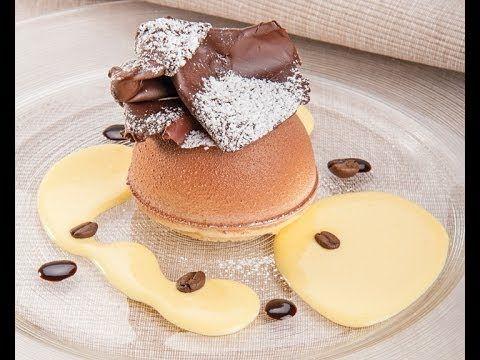 A scuola di pasticceria con il maestro Luca Montersino. Entriamo nella sua Accademia e scopriamo tutti i trucchi per preparare un goloso dessert al piatto: s...