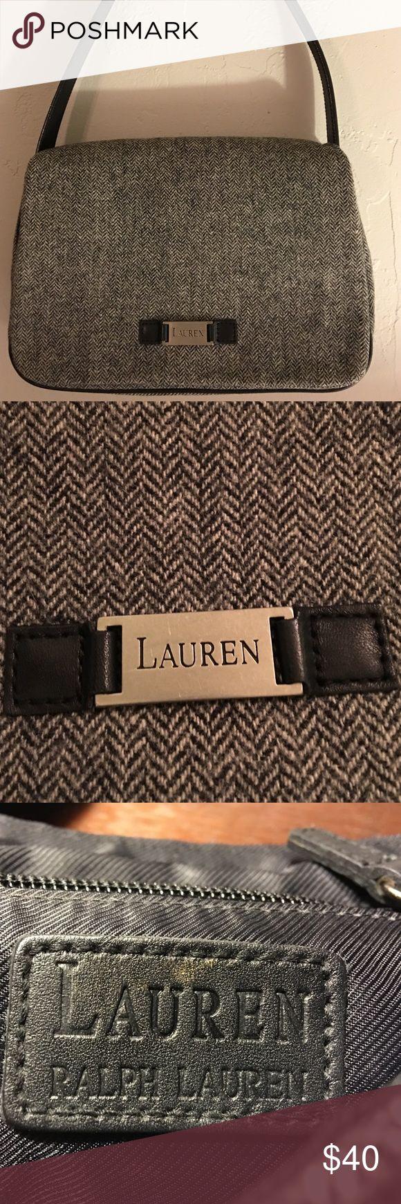 Ralph Lauren Flannel purse Gorgeous gray Ralph Lauren purse with slight fabric pattern Ralph Lauren Bags Shoulder Bags