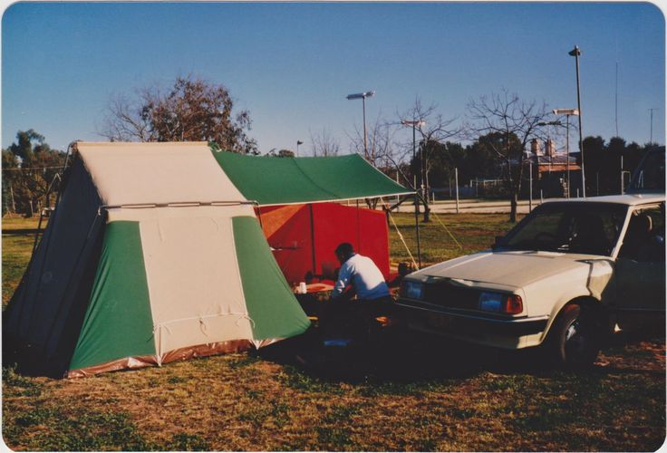 Camping Louth Park 1985. John washing-up, last ones to leave camping area after reunion.
