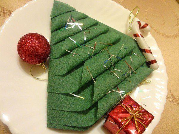 servietten-als-tannenbaum-falten-dekoking-com