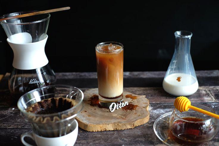 Eksplorasi tentang minuman kopitak pernah berhenti. Oleh karena itu, kami juga terus mencari resep kopi yang bisa menghapus dahaga. Salah satunya Kalita Iced Honey Coffee.  KALITAwaveadalah sebuah metode manual brew kelas pour over yang juga menjadi favorit saya. Kalau biasanya saya menggunaka…