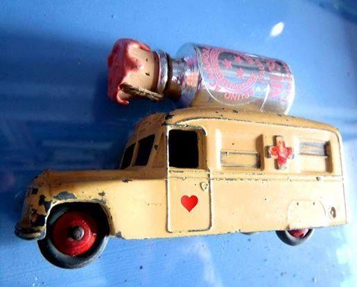 Musc on the road #musc #brunoacamporaprofumi #acampora #ontheroad #car #bus
