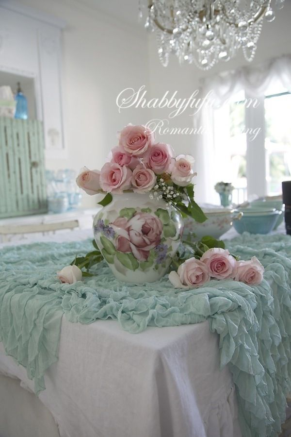 Shabby chic romantic home decor shabby chic pink blue - Decoracion country chic ...