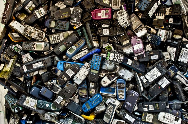 Japan recycles old phones to make medals for 2020 Olympics     - CNET                                                     Getty Images                                                  The Japanese government has big plans for used phones.  Members of the public are being asked to donate their old or unwanted mobile phones. Theyll be used to create the medals that will be awarded in the 2020 Olympic games.  No that doesnt mean the medals will look like compacted Nokia 3310 handsets. Gold…
