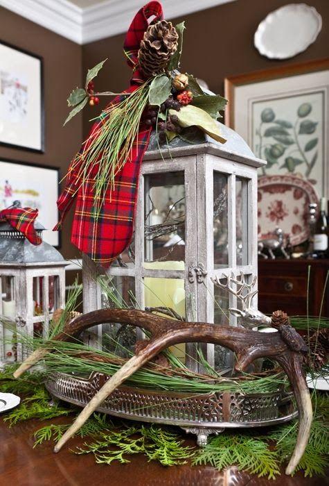 Christmas Decor ¸.•♥•. www.pinterest.com/WhoLoves/Christmas ¸.•♥•.¸¸¸ツ #Christmas #decorations