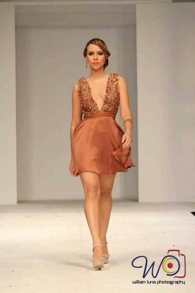 Short dress by Rebeca Ruiz Galloza. Rasgos collection
