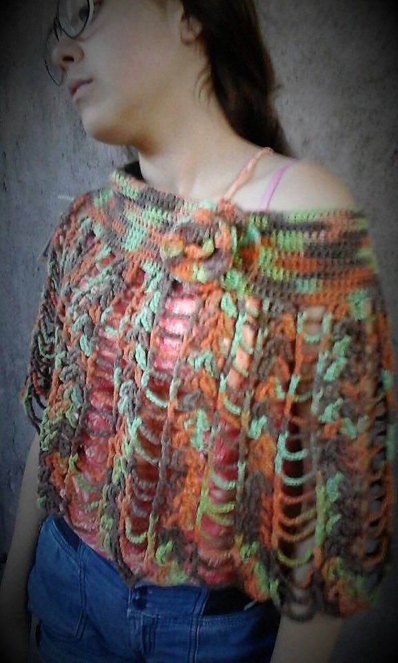 Poncho de algodon tejido a crochet